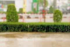背景的雨天 免版税库存图片