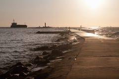 背景码头海运视图 免版税库存图片