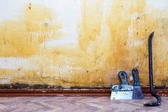 背景砖建筑塔 老墙壁空间 免版税库存照片