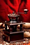 背景磨咖啡器查出的白色 免版税库存照片