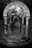 背景神仙的灰度的寺庙 图库摄影