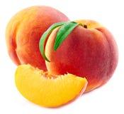 背景空白查出的桃子 免版税库存照片