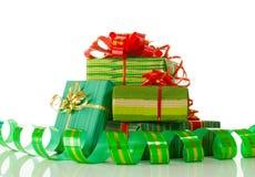 背景空白的圣诞节礼物 免版税库存图片