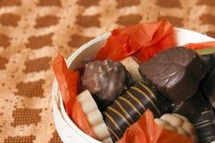 背景篮子巧克力桔子零件 库存图片