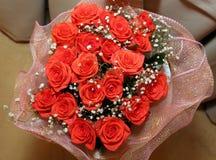 背景红色玫瑰 免版税库存照片