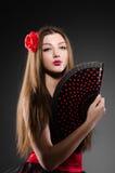 背景美丽的花查出在白人妇女年轻人 图库摄影