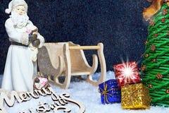 背景能圣诞节使用的例证主题 圣诞节大气的圣诞老人与礼物、圣诞树和雪 圣诞节-一个非凡基督徒h 库存照片