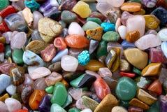 背景自然堆珍贵半石头 免版税库存照片