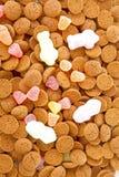 背景荷兰语pepernoten典型的甜点 库存照片