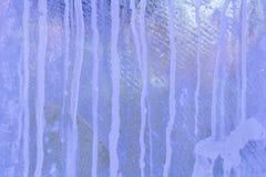 背景蓝色冰排行模式 冰的纹理 免版税库存照片