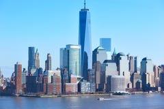 背景蓝色大厦城市高曼哈顿新的天空地平线约克 免版税库存照片