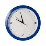 背景蓝色时钟来回白色 免版税图库摄影