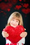 背景蓝色框概念概念性日礼品重点查出珠宝信函生活纤管红色仍然被塑造的华伦泰 库存照片