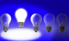 背景蓝色电灯泡光行 免版税图库摄影