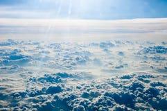 背景蓝色覆盖cloudscape天空 蓝天和空白云彩 免版税库存图片
