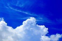 背景蓝色覆盖cloudscape天空 库存图片