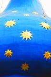 背景蓝色金黄星形 免版税库存图片