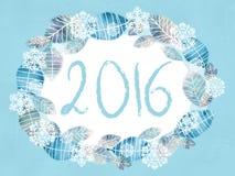 背景蓝色雪花白色冬天 花卉浪漫框架由手拉的叶子和雪花制成 动物看板卡母牛长颈鹿问候河马邀请狮子 库存图片