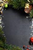背景蓝色黑暗圣诞节黑暗冷杉雪花结构树 免版税图库摄影