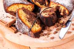 背景蛋糕查出的海绵白色 免版税库存图片