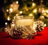 背景蜡烛圣诞节装饰礼品金黄xmas 免版税库存图片