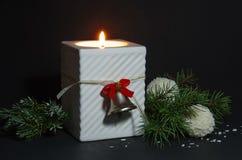 背景蜡烛圣诞节装饰礼品金黄xmas 2007个看板卡招呼的新年好 库存照片