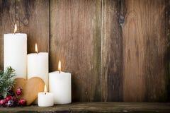 背景蜡烛圣诞节装饰礼品金黄xmas 图库摄影