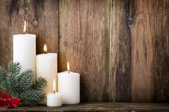 背景蜡烛圣诞节装饰礼品金黄xmas 免版税图库摄影
