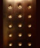 背景被镀青铜的黑暗的金属表面 库存照片