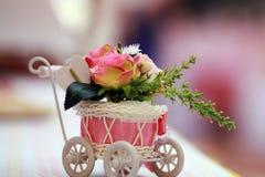 背景装饰高雅花粉红色浪漫婚礼 库存照片