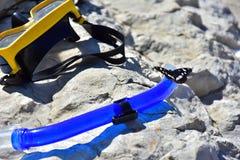 背景设备潜水的玻璃管子 免版税库存图片