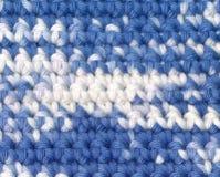 背景钩针编织杂色的纱线 免版税库存图片