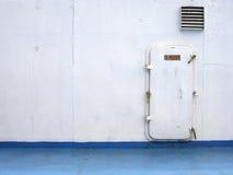 背景门轮渡舱口盖菲律宾 库存照片