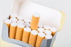 背景香烟查出的对象装箱白色 库存照片