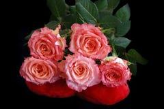 背景黑色花束玫瑰 库存照片