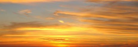 背景, Cloudscape在日落的天空替换 免版税库存照片