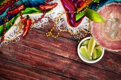 背景:与玛格丽塔的Cinco De马约角庆祝 图库摄影