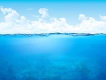 背景水下的水线 免版税库存图片