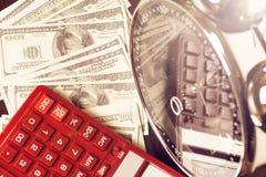 背景绘制财务oer笔报表白色 时间是金钱和财富 企业概念想法货币运算时间 免版税图库摄影