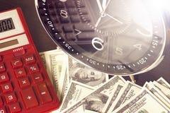 背景绘制财务oer笔报表白色 时间是金钱和财富 企业概念想法货币运算时间 库存照片