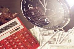 背景绘制财务oer笔报表白色 时间是金钱和财富 企业概念想法货币运算时间 免版税库存图片