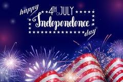 背景7月第4,美国人美国独立日与火烟花的庆祝 美国独立纪念日的祝贺 免版税库存照片