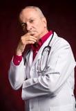 背景医生查出的医疗超出听诊器白色 免版税库存图片