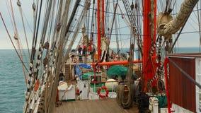 背景-老帆船索具 免版税库存照片