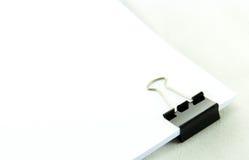 背景黑色夹子框架充分查出纸射击工作室白色 免版税库存照片