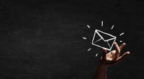 背景黑色概念尺寸电子邮件反映文本三 图库摄影