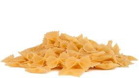 背景farfalle堆查出的意大利面食白色 免版税库存照片