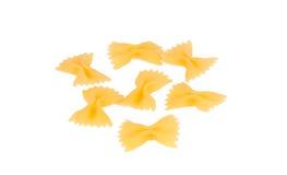 背景farfalle查出的意大利面食白色 免版税库存图片