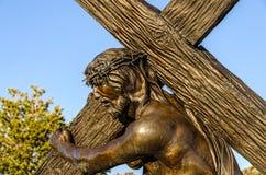 背负十字架 免版税库存照片