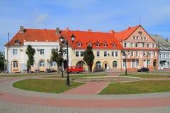胜利广场的德国建筑在市Ozyorsk 免版税库存图片